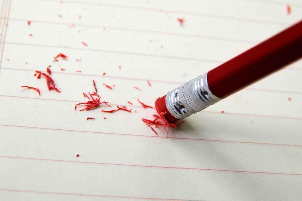 عوارض بسیار خطرناک پاک کن مداد